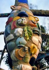 Folk sculpture, Watts Towers (Nuestro Pueblo), Simon Rodia, 1921-54 - Watts, Los Angeles, 1973