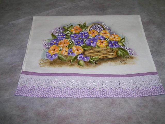 cesta com flores do campo