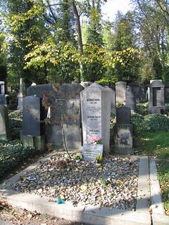 Imagen de Franz Kafka cerca de Hlavní město Praha. cemetery geotagged literature franz jewish kafka franzkafka literatura geotagging