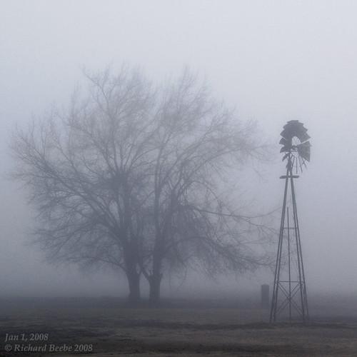 winter windmill fog foggymorning sanjoaquincounty pentaxk10d jan12008 pentaxart tracycalif copyrightricharddbeebe centralvalleycalif ©richarddbeebe2012 ©richardbeebe2013