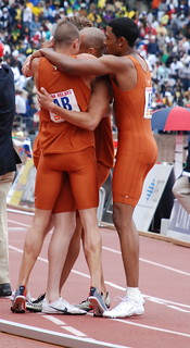 Texas wins the 4x800
