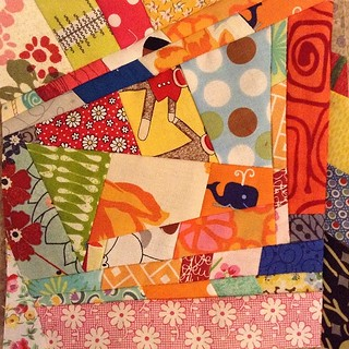 #aaborder #addaborder quilt bee this one is called #redspideroffering