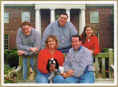 Mike Huckabee's Family Christmas Photo. No, really.