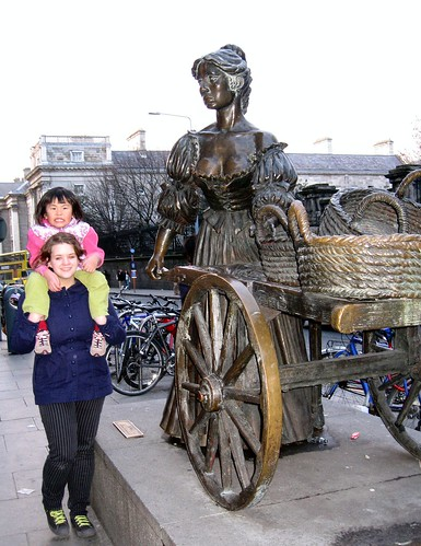 Molly Malone statue in the middle of Dublin traffic