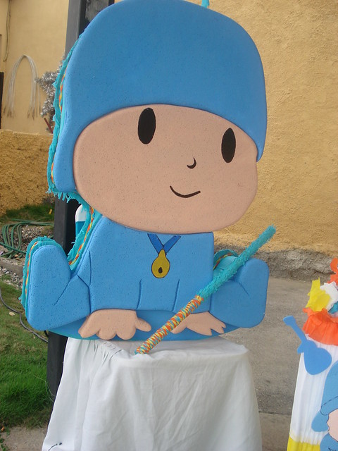 piñata pocoyo | Flickr - Photo Sharing!