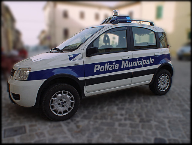 grosse voiture de police italienne flickr photo sharing. Black Bedroom Furniture Sets. Home Design Ideas
