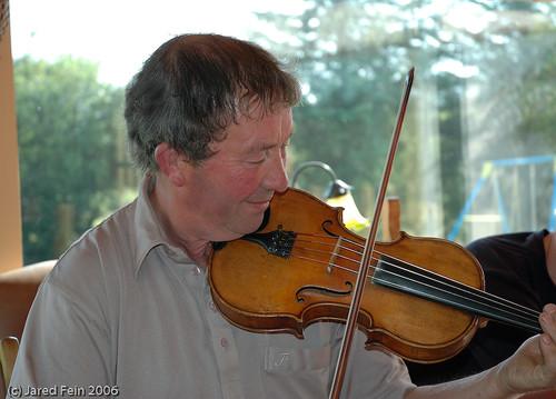 ireland music violin fiddle donegal celticmusic irishtraditional firsttheearth sewerdoc ©jaredfein
