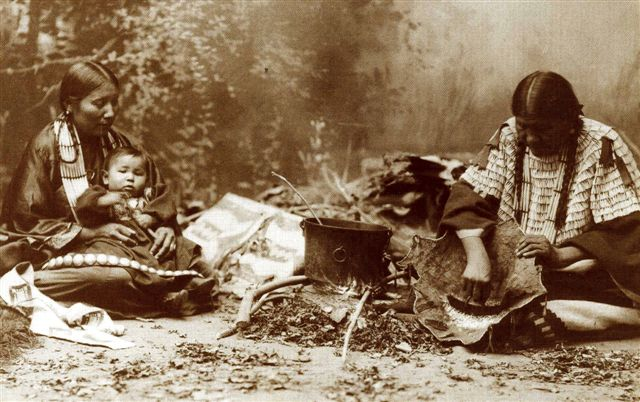 Plains Indian Women and Child | Flickr - Photo Sharing!