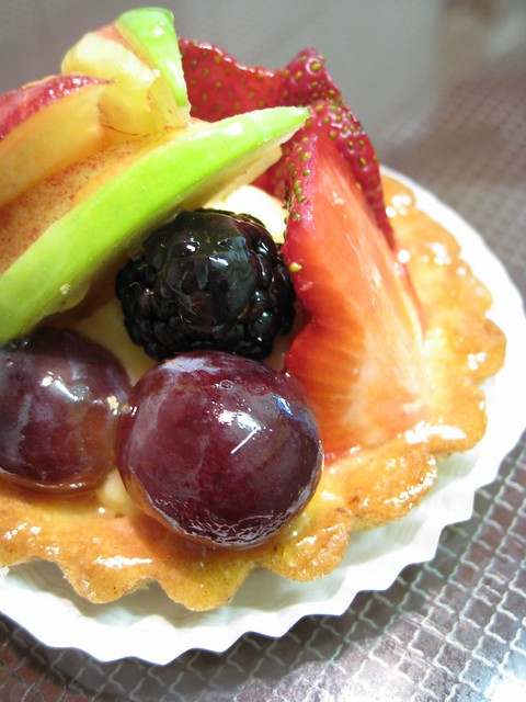 cake with fruit on top d or fruit tart flickr photo 2363