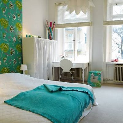 turquoise and white bedroom via purple area please go to
