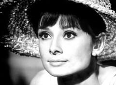 e8249a75de9 Audrey Hepburn with big hat