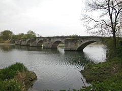 fish pond(0.0), channel(0.0), ditch(0.0), moat(0.0), reservoir(1.0), river(1.0), watercourse(1.0), reflecting pool(1.0), arch bridge(1.0), canal(1.0), waterway(1.0), bridge(1.0),
