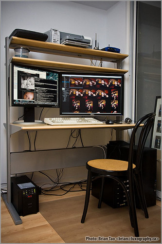 IKEA FREDRIK computer desk by luxography