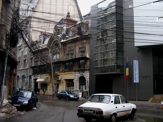 Poor old building