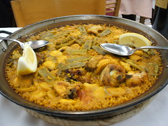 curry(0.0), produce(0.0), meal(1.0), paella(1.0), biryani(1.0), food(1.0), dish(1.0), kabsa(1.0), cuisine(1.0),