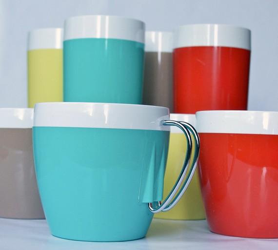 Vintage Thermo Serv  To  Oz Travel Mugs