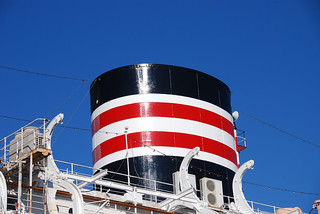 Kuva Hikawa Maru. blue sky japan ship bluesky yokohama 横浜 funnel hikawamaru 船 氷川丸 青空 nyk 煙突 日本郵船