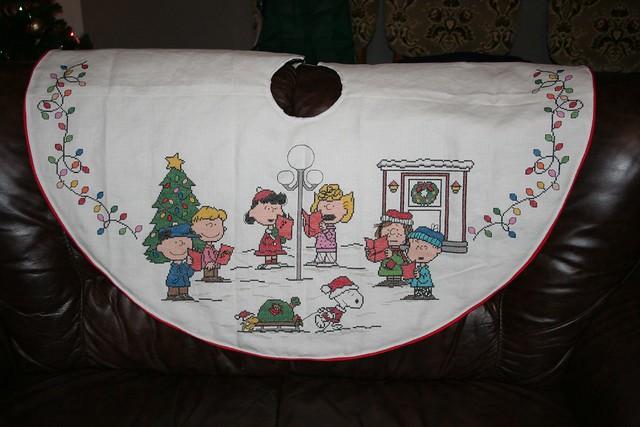 Snoopy Peanuts Tree Skirt