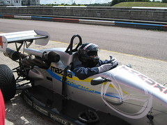 kart racing(0.0), motorboat(0.0), inflatable boat(0.0), racing(1.0), vehicle(1.0), sports(1.0), open-wheel car(1.0), formula one car(1.0),