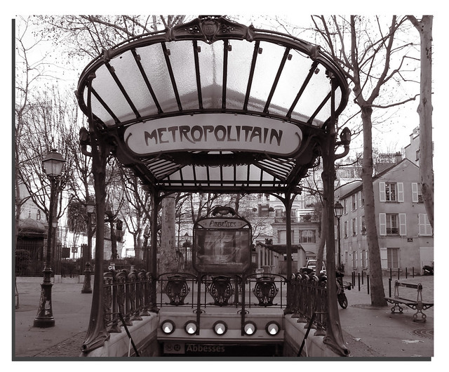 Metropolitain. Paris.-