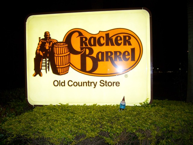 how to play cracker barrel tee game