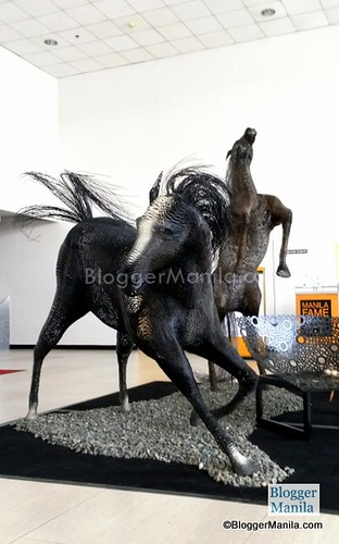 A tribute to the Year of the Horse, Ann Pamintuan's horse sculptures is made of twisted metal strands. (The Gilded Expressions)