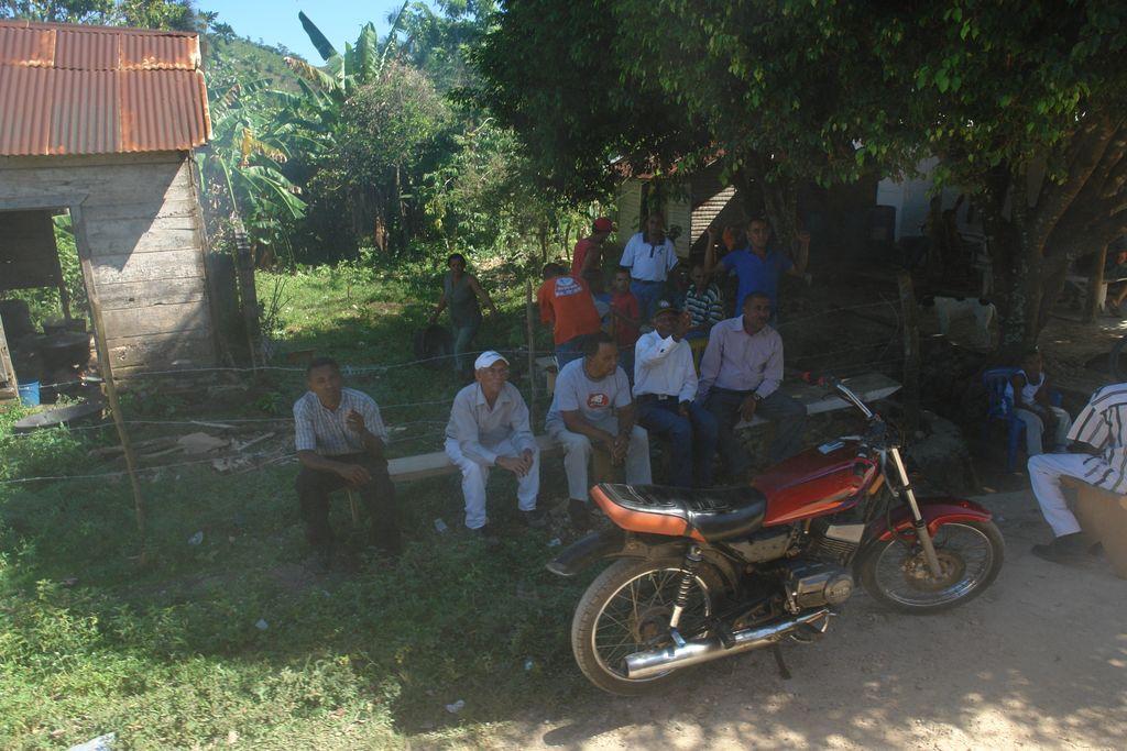 Banco en Samaná Samaná, una península en el Paraíso - 2527502478 3e3e8d2509 o - Samaná, una península en el Paraíso