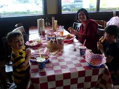 mother's day dinner at fuddrucker's   DSC02892