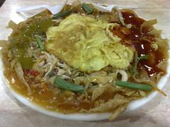 noodle(0.0), noodle soup(0.0), vegetarian food(0.0), produce(0.0), curry(1.0), soto ayam(1.0), food(1.0), dish(1.0), laksa(1.0), soup(1.0), cuisine(1.0),