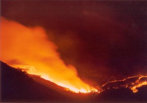 Etna, eruzione lampo nella notte$