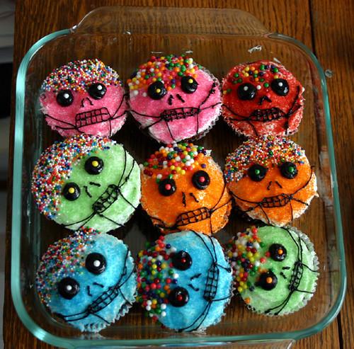 Halloween Cake Decorations Nz : sugar skull cupcakes Flickr - Photo Sharing!