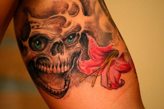 totenkopf tattoosgirl body painting. Black Bedroom Furniture Sets. Home Design Ideas