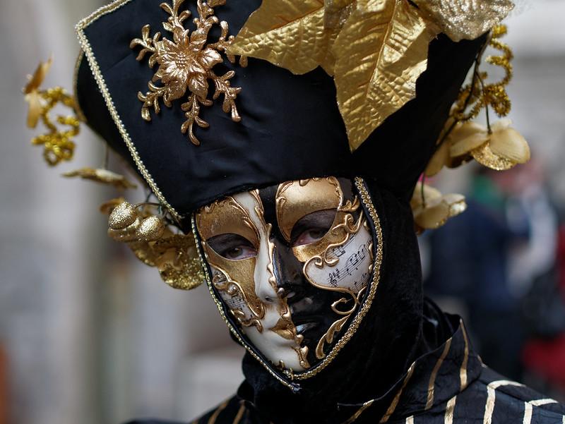 Photo du Carnaval Vénitien Annecy 13194401655_bff253f7cd_c