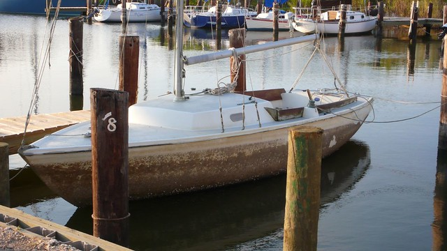 An old Pearson Ensign. A small open 22 foot yacht.