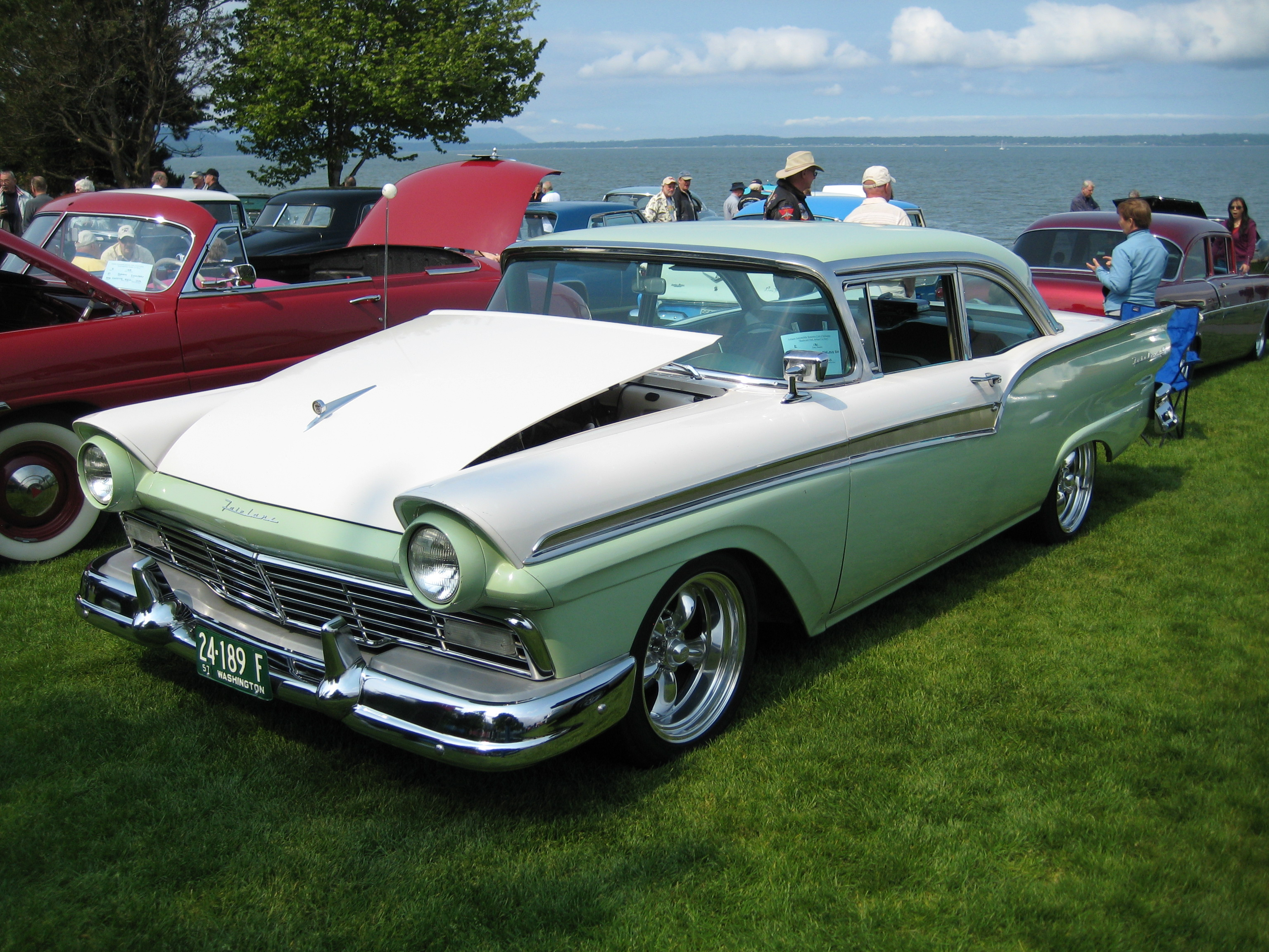 1957 Ford Fairlane 500 Club Sedan Images Pictures And Videos