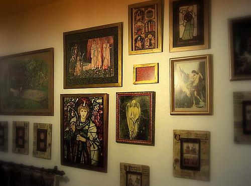 Abbellire una parete utilizzando i quadri