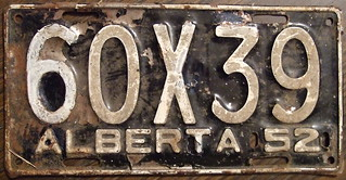"""ALBERTA 1952 passenger plate, Large """"X"""" in the third position"""