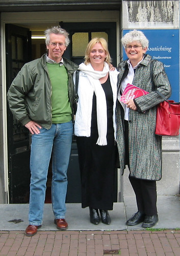 Cas Smithuijsen, Diane Dodd and Sarah Gardner agree to develop the ConnectCP website, Amsterdam, April 2005
