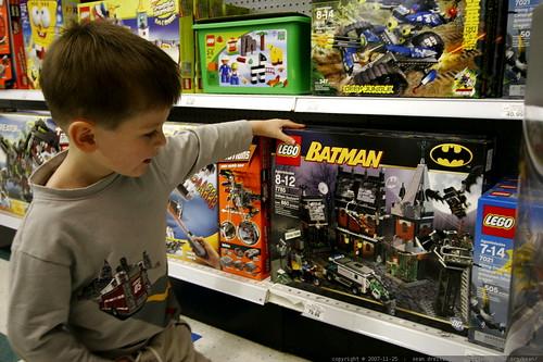 checking out some batman legos    MG 6683
