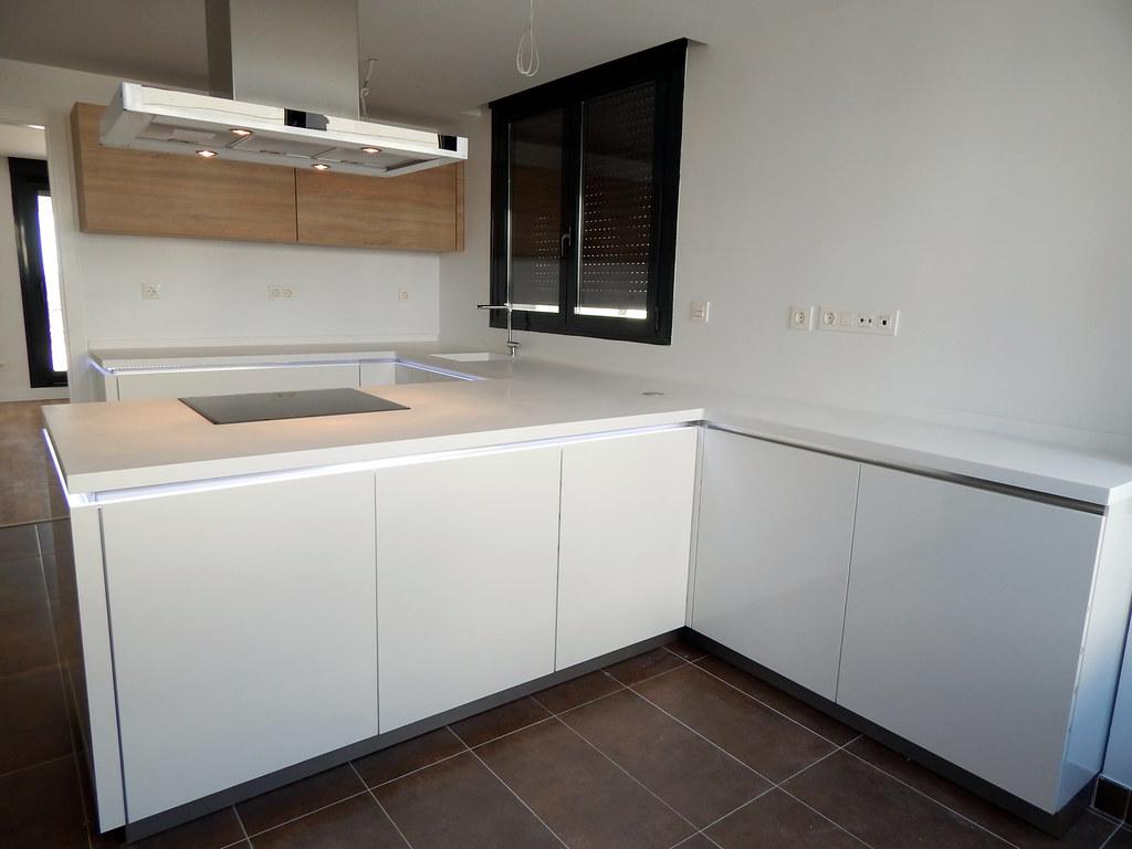 Muebles de cocina dise o en blanco for Muebles de cocina independientes