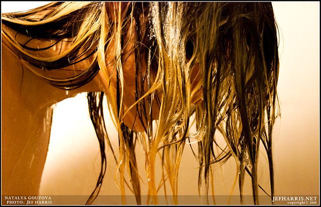 Haaröl anwenden