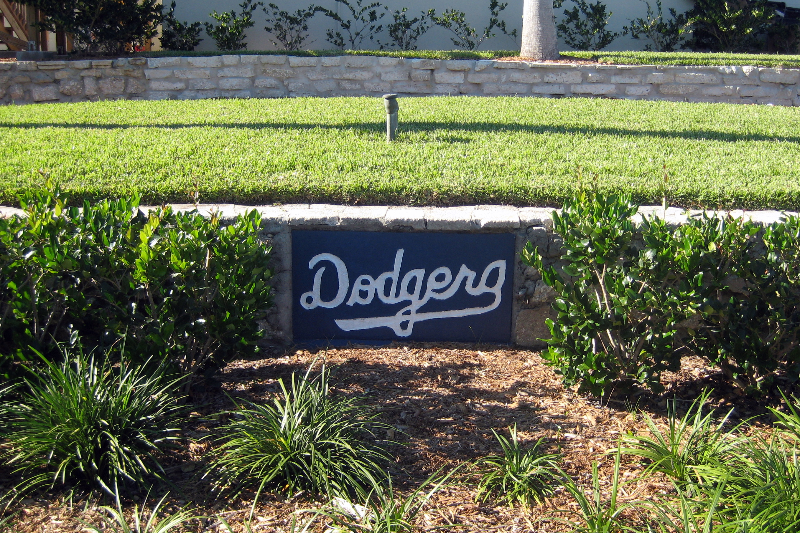 dodgertown singles Our strong brand name will convert your traffic with over 8 years in the dating  industry we have the expertise you want to partner with we have fine tuned our.