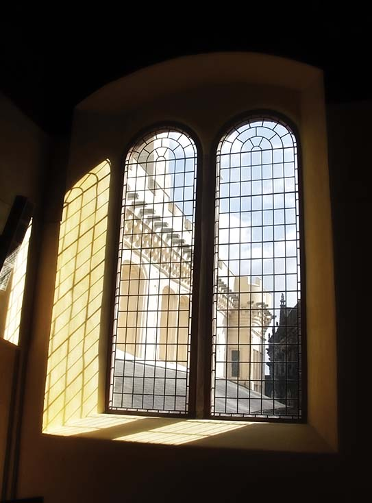 Photography - Stirling Window by Nicholas M Vivian
