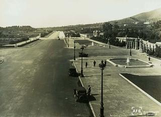 Imagen de Palau Reial. diagonal avingudadiagonal pedralbes palaureial fotosantiguesdebarcelona palaureialdepedralvesfotosdebarcelonabarcelonaarxiufotogràficdebarcelonabarcelonaantigafotoshistòriquesfotografiavintage