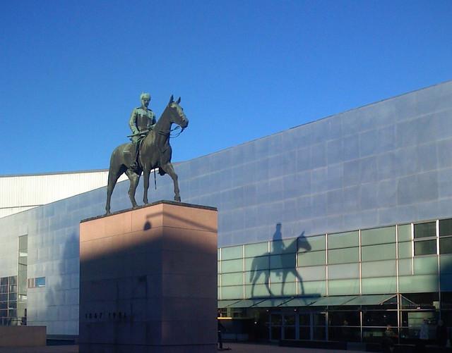 Estatua de Mannerheim en Helsinki