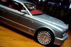 rolls-royce phantom(0.0), automobile(1.0), automotive exterior(1.0), executive car(1.0), wheel(1.0), vehicle(1.0), automotive design(1.0), bentley arnage(1.0), land vehicle(1.0), luxury vehicle(1.0), bentley(1.0),