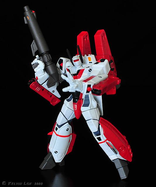 Revoltech G1 Jetfire (custom repaint)