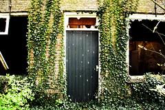 Abandoned farm - Front door