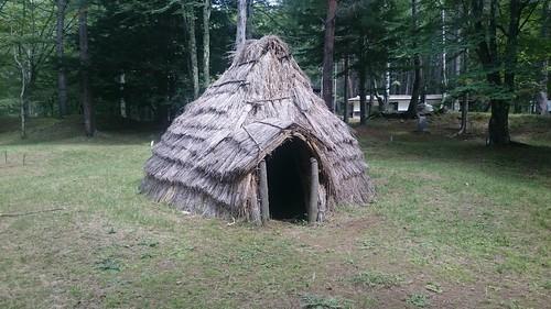 ちゃんと竪穴住居も見てきました