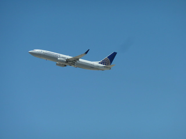 Continental Airlines N36247 Boeing 737-824(WL) seconds after take-off from LAX